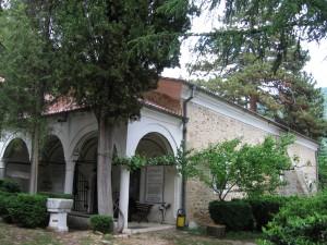 мъглишки манастир