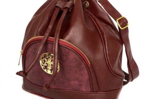 Как да носите дамската си чанта, за да не навредите на гърба си